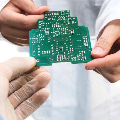 tema circuiti stampati